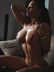 super sexy nude milf